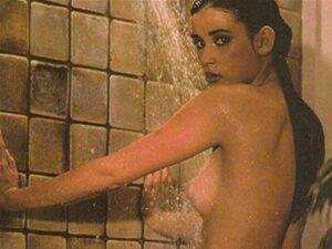 Susan Santiago  nackt