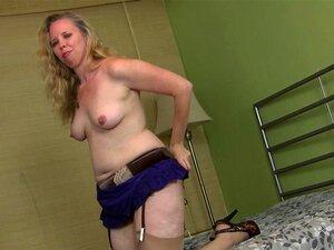Catherine Vogel  nackt